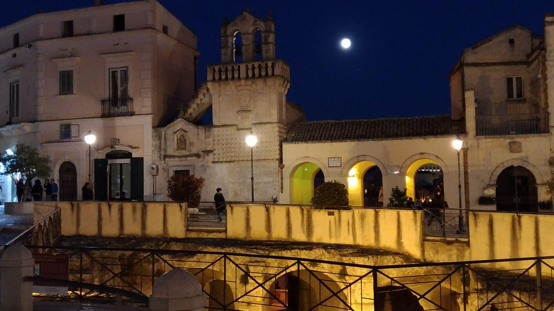 piazza vittorio veneto notte